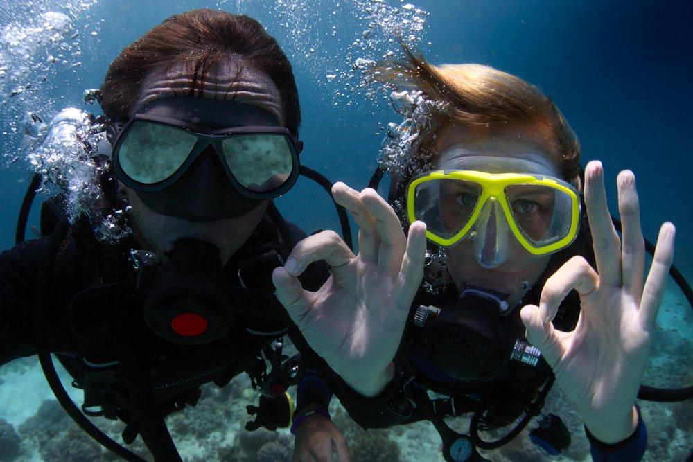 scuba_divers_ok_hand_signal.jpg.85870a546f50b5faac791b99a7fd4cb1.jpg
