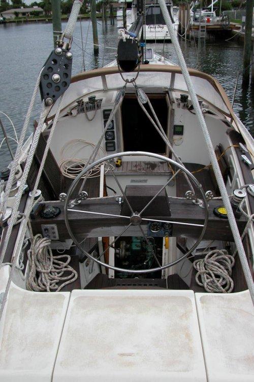 cockpit.thumb.jpg.38701da70fb670f3842ea958a2f524d6.jpg