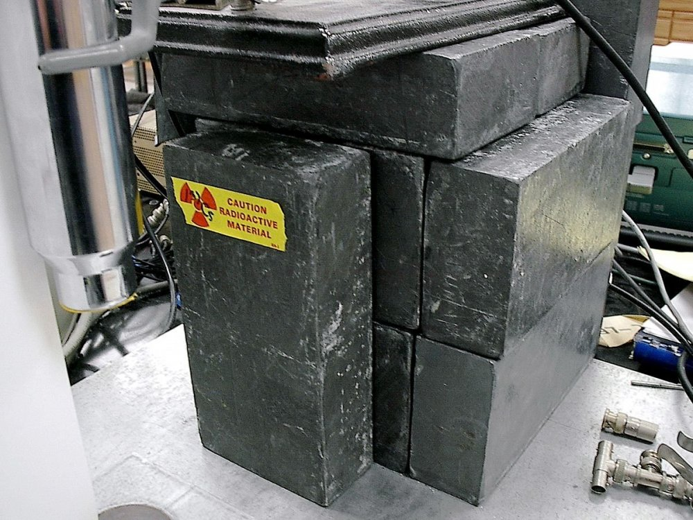 Lead_shielding.thumb.jpg.c6108297a75484cbafc1dd0c97590e09.jpg