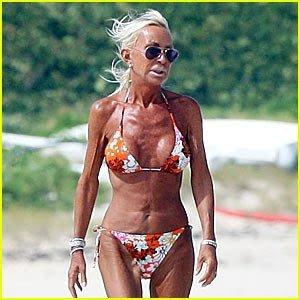 donatella-versace-bikini.jpg