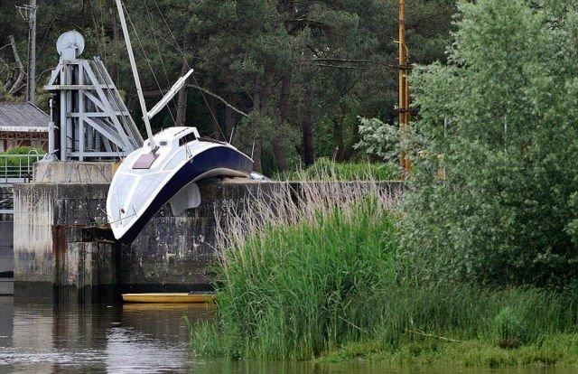 Dali Boat.jpg