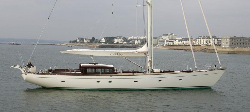 Atao-JFA-yachts-Barracuda-design-01.thumb.jpg.28f3f6ce7b3e285304fbd56569709b91.jpg