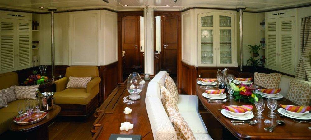 Atao-JFA-yachts-Rhoades-Young-design-02.thumb.jpg.0cd44a15cf12857cc67930b55b7596b0.jpg