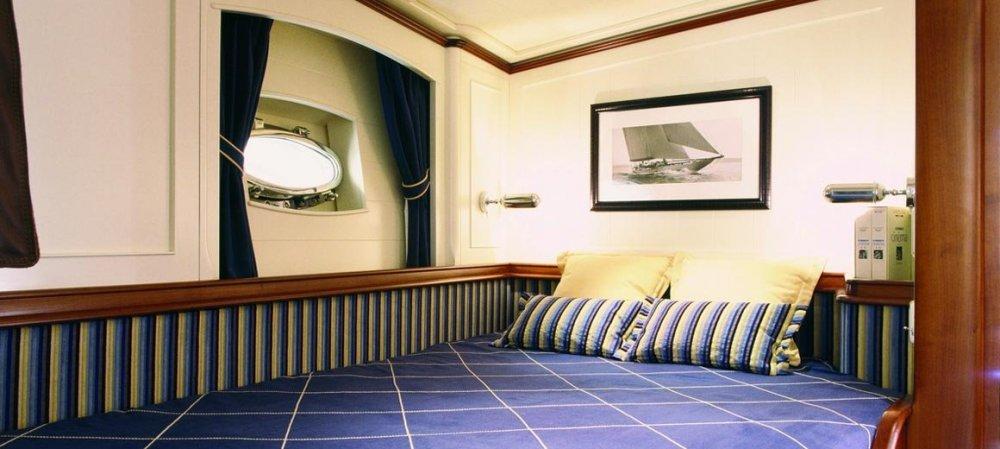 Atao-JFA-yachts-Rhoades-Young-design-05.thumb.jpg.00b8f0766130897e8f2067b7bc29b6c9.jpg