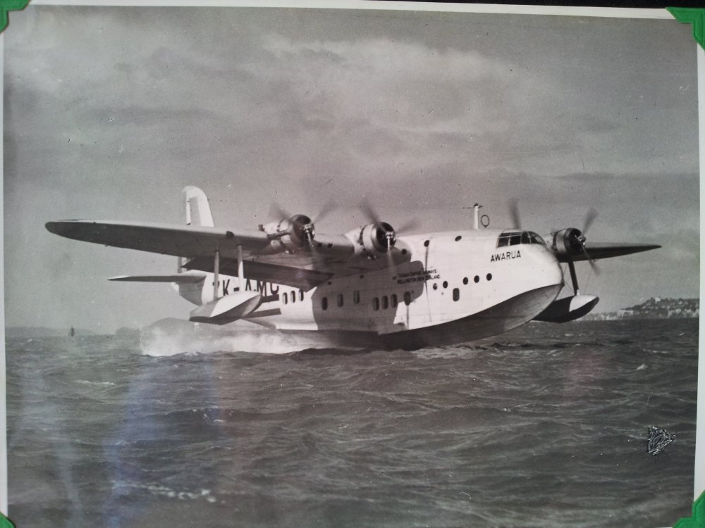 Solent_Dad_and_his_flying_boat_(2).jpg