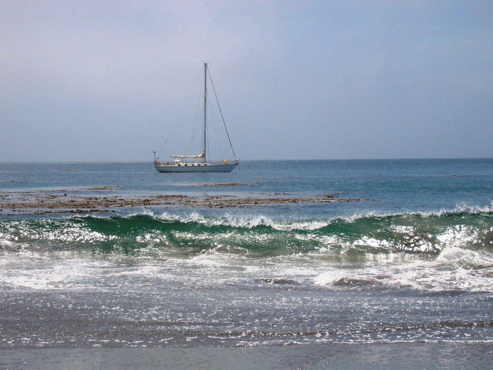 sail boat at Forney's cove Santa Cruz Island.jpg