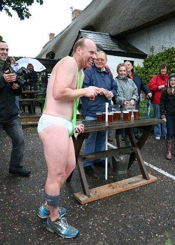 wanborough_beer_race_08_17.jpg.88788a28065d9c46d13e81d6c72259b9.jpg