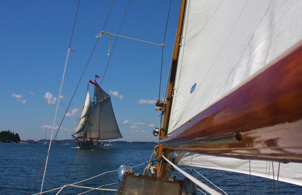 1338516364_Sailingwestschoonerheadingeastward..jpg.f3a71adf24cd8b56d897585f414db51b.jpg
