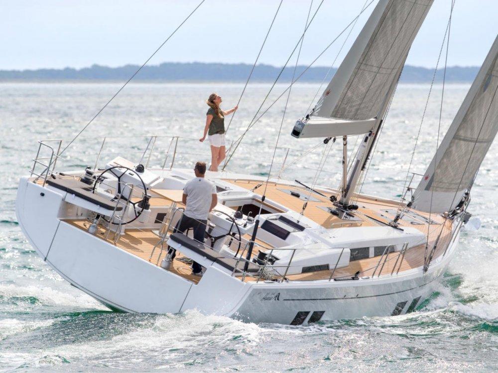 hanse_548_exterior_sailing_022_2017_07_27_exterior_575_v2.thumb.jpg.9862a36f10dd5e850c5a6bf020bb9e97.jpg