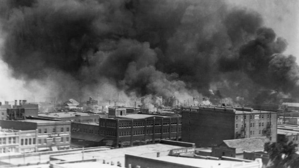 tulsa-race-riot-gettyimages-615294636.jpg