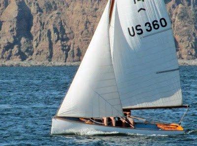 us360_sailing_from_leeward.jpg