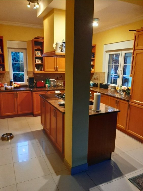 Kitchen.b.jpg