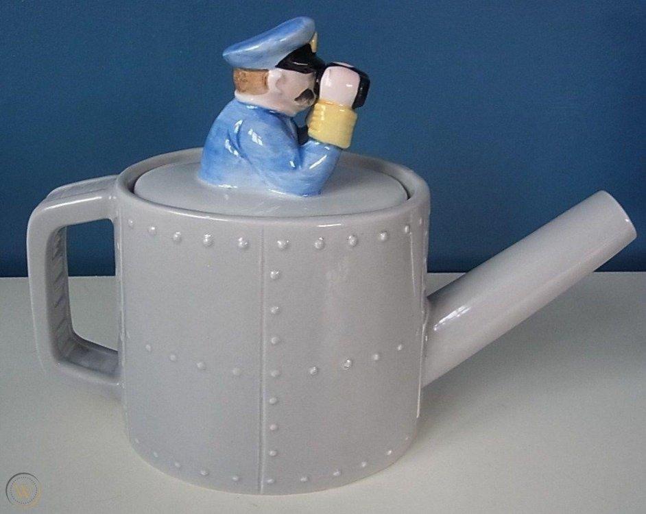 luber-novelty-teapot-designed-roy_360_b5d3ecef784321636d0a2e65ac9d2fbb.jpg