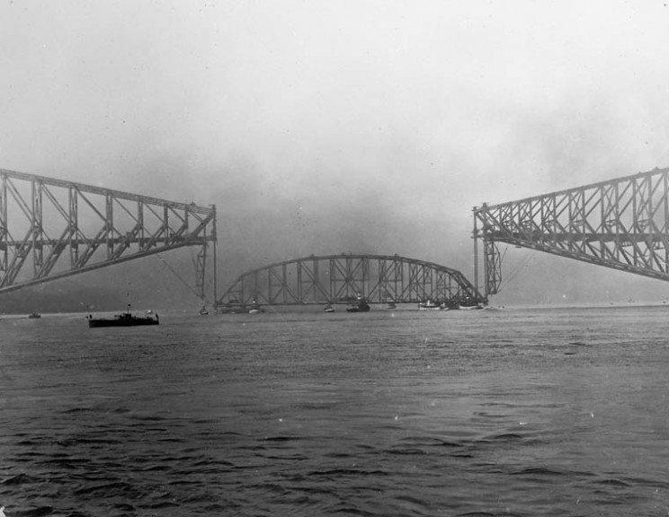 Quebec_Bridge_Collapse_resize_md.jpg