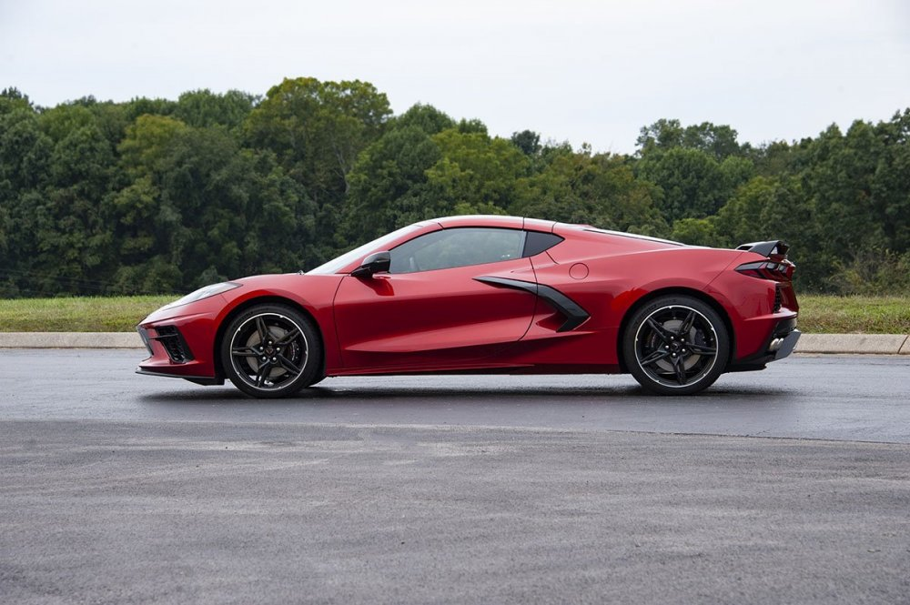 red-mist-c8-corvette-looks-gorgeous-new-paint-color-replaces-long-beach-red-149277_1.jpg