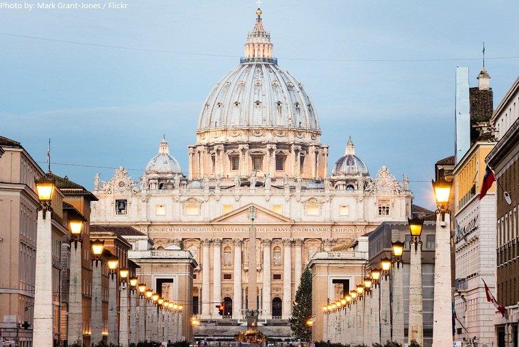 st-peters-basilica-2.jpg.21c58ca98a74608c77aef5cb5fa0138f.jpg