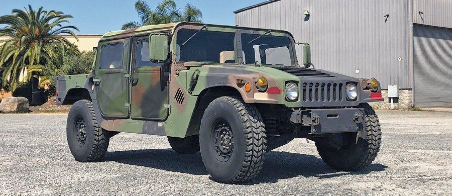 1985-AM-General-M998-Humvee-_38.jpg