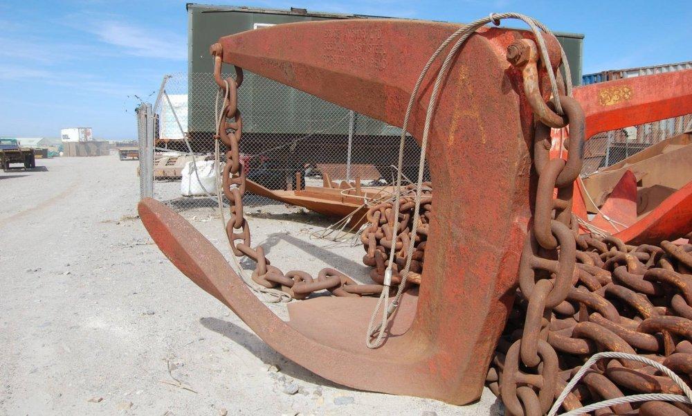 Bruce-6000 kgs-Falklands.jpg