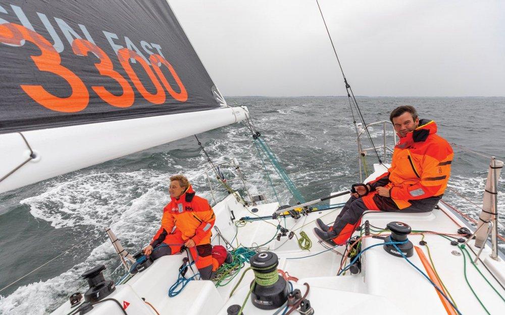 jeanneau-sun-fast-3300-boat-test-cockpit-credit-jean-marie-liot.jpg