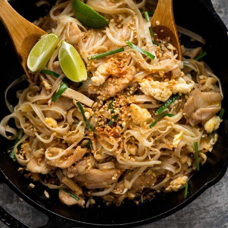 Chicken-Pad-Thai_9-SQ.jpg