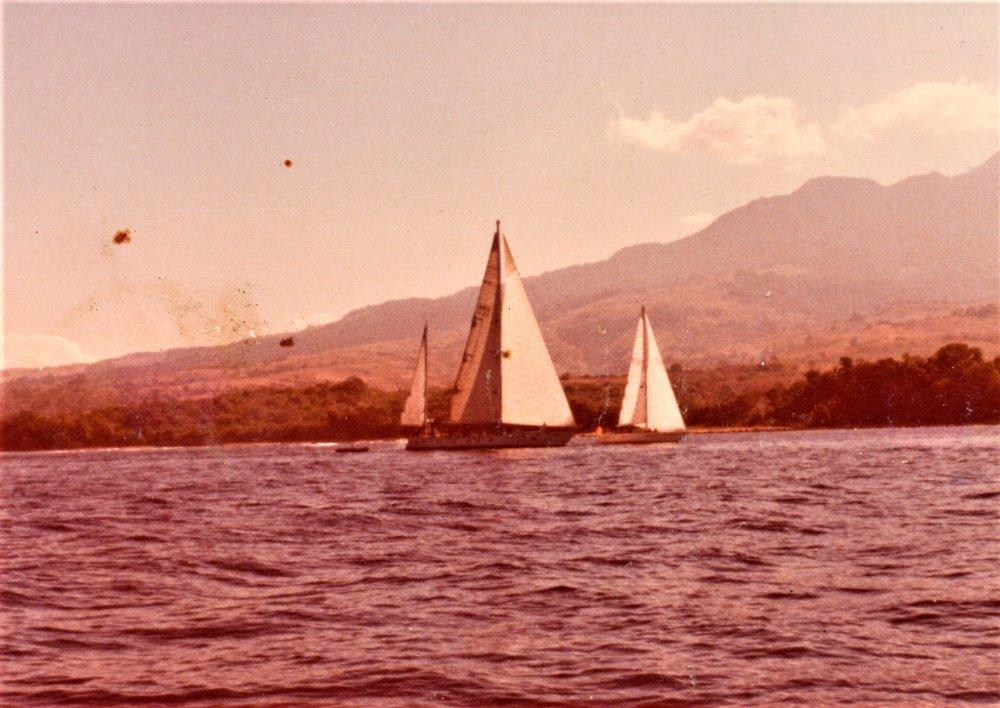 Blackfin 1980 Bagac Bay 02.jpg