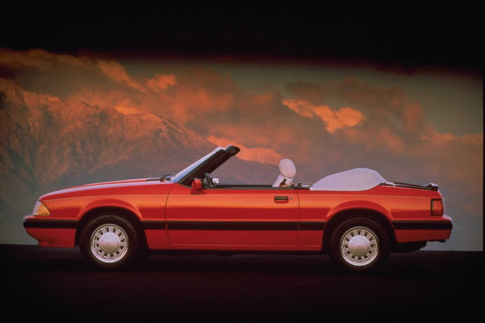 1989-Ford-Mustang-Convertible-Red.jpg