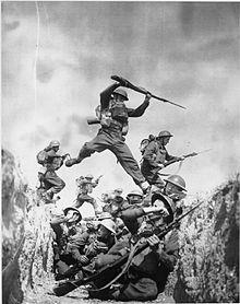 220px-The_British_Army_in_the_United_Kingdom_1939-45_H2917.jpg