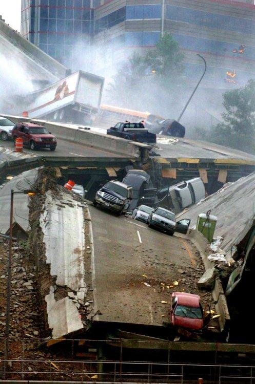 35w-bridge-collapse-001a.jpg