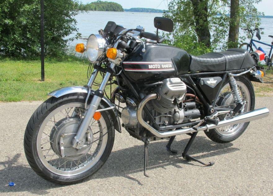 Moto-Guzzi-V7-Sport-Front-Left-1.jpg