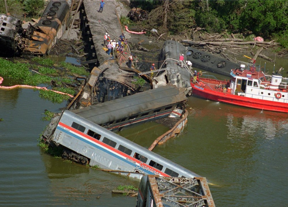 amtrak-deadliest-crash-d1a61e2dec6ab676.jpg