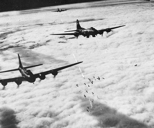 boeing_B-17_bremen_1943_small.jpg