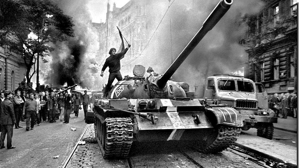soviet-invasion-czechoslovakia-1968.jpg