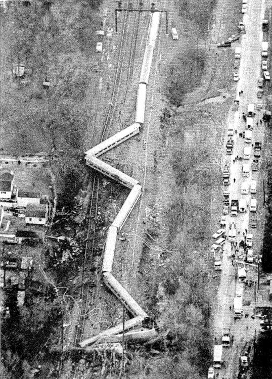 1987_Maryland_train_collision_aerial.jpg