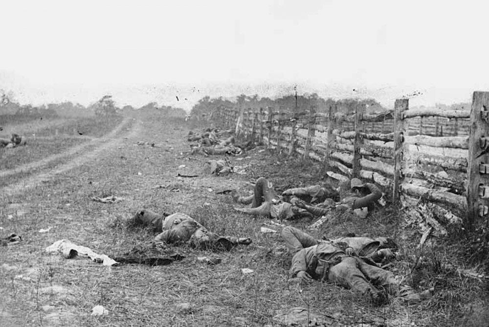 Battlefield_at_Antietam800.jpg