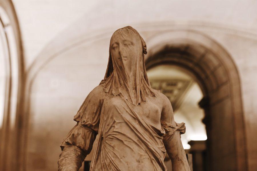 Lisa-Mona-Guided-Tour-Paris-Museum-Venus-900x600.jpg