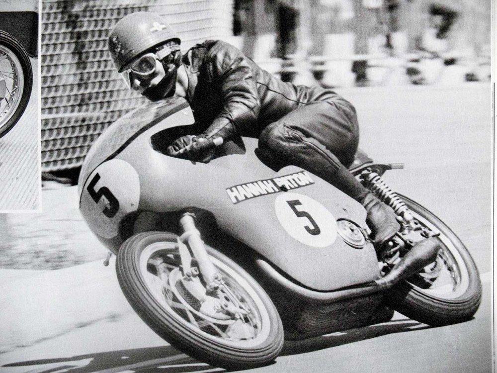 Paton_Storia-Anni60_Angelo-Bergamonti-Circuito-del-Montjuich-Campionato-Mondiale-500cc-1967.jpg