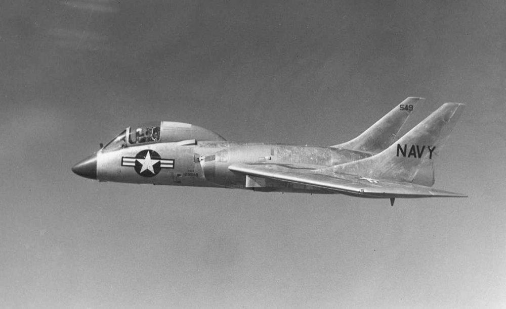 Vought_F7U-3_Cutlass_in_flight_c1955.jpg