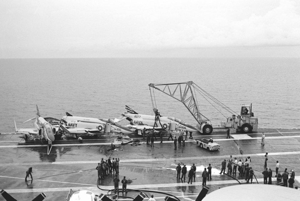 a-view-of-the-flight-deck-of-the-aircraft-carrier-uss-midway-cv-41-as-crewmen-03f480-1024.jpg