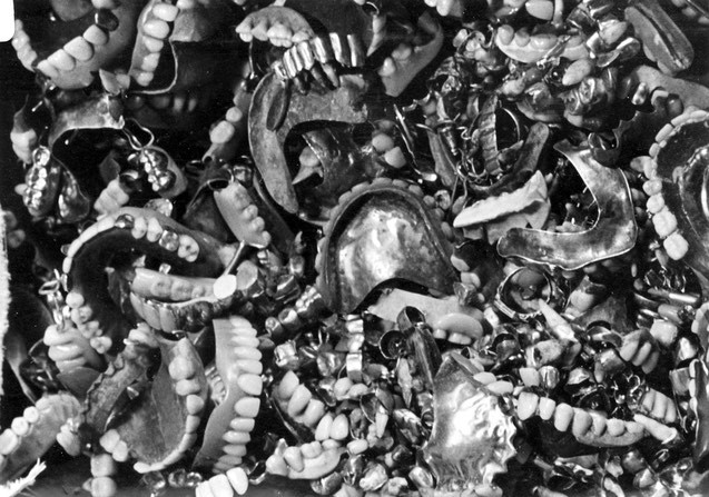 auschwitz-photos-teeth.jpg