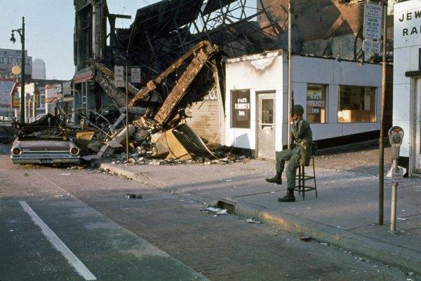 detroit-riots-1967-13.jpg