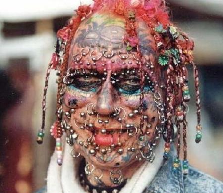 tattoo_pierced_face.jpg.cbc07fe2395692cf69792706c51b266c.jpg
