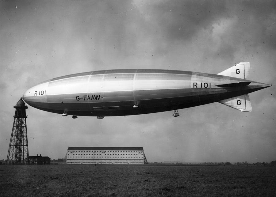 r-101-airship-hulton-archive.jpg
